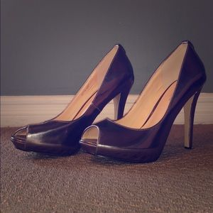 """Size 9 Petwer/Silver 5"""" heels, excellent condition"""